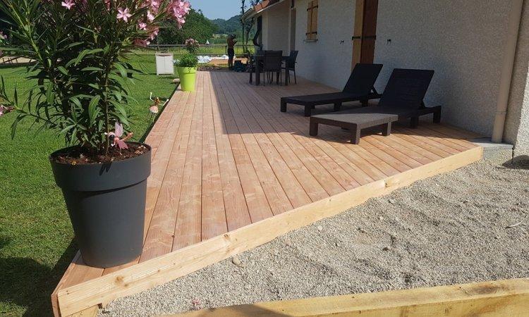 Terrasse bois DOUGLAS à Briord.